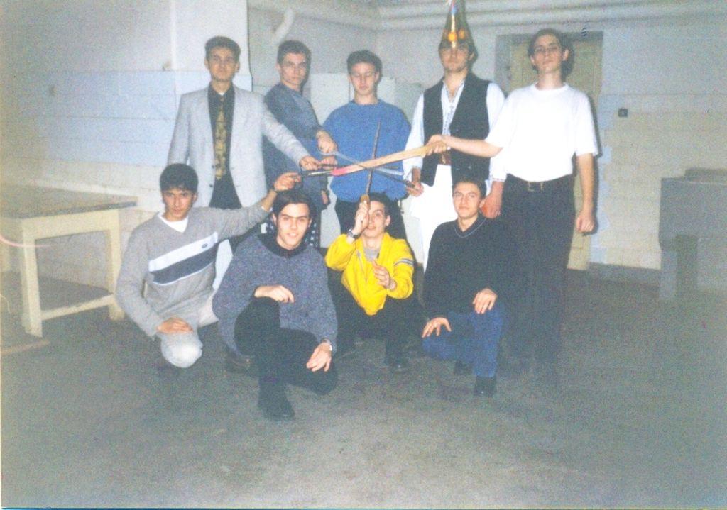 radu ciogu si restul baietilor din XIIA 1999 19